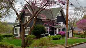 907-shingle-style-arts-and crafts home