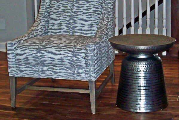 Ivy_chair_metal_end_table