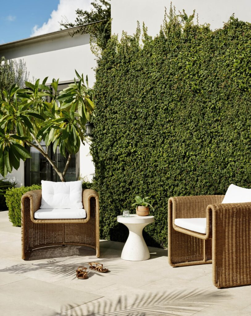outdoor-furniture-ideas-tuscan-chairs