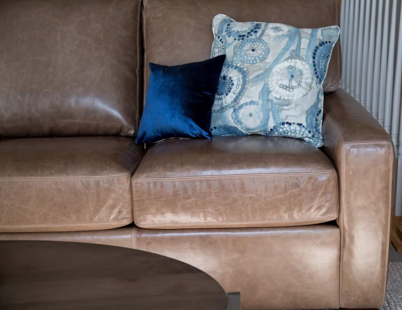 Carson-sofa-Angela-lahr-Pappenheimers-project