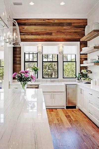 Rustic shiplap in kitchen