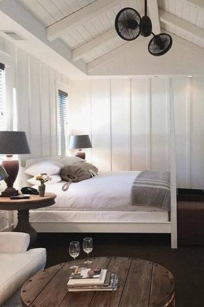 Shiplap California cool bedroom