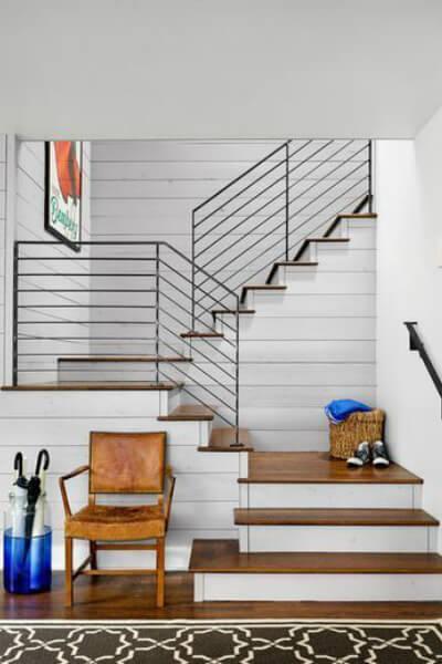Shiplap stairway