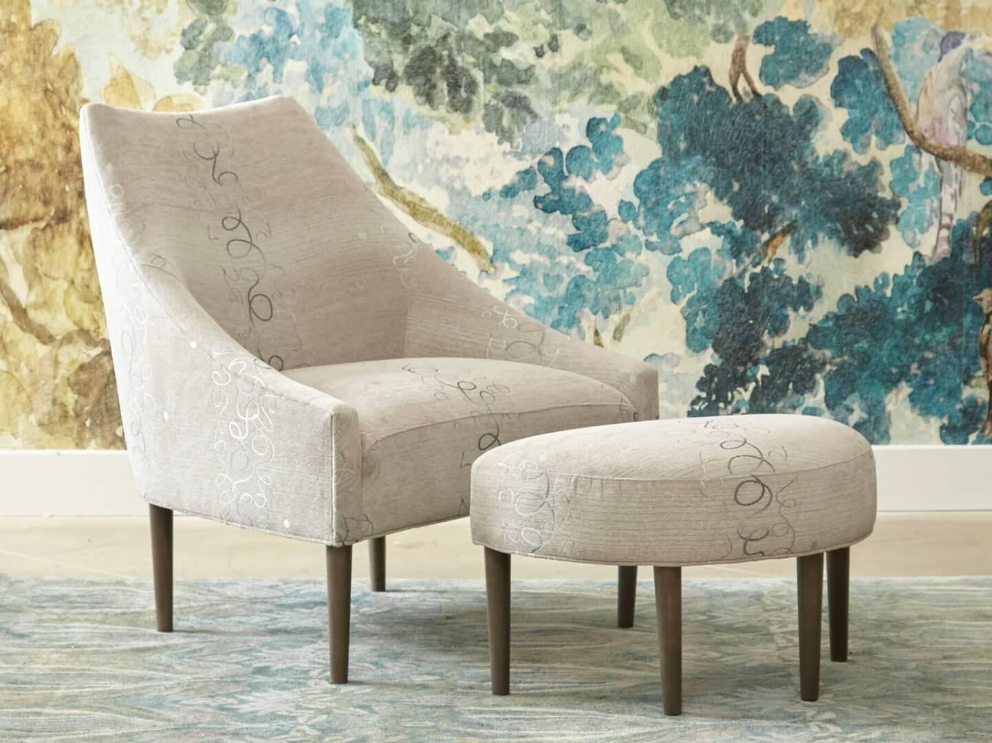 interior_design_style_new_classics_Sonata_chair_ottoman_Simple Chic