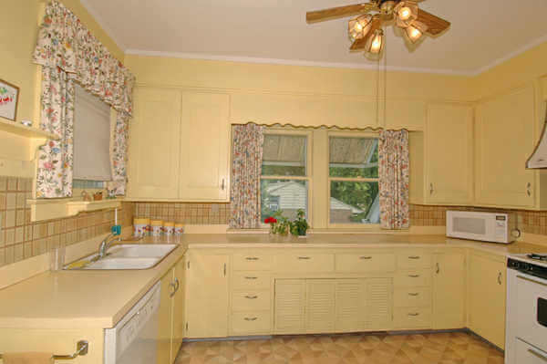 Kitchen (louvered doors hide a radiator)