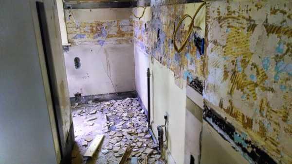 restoration-hardway-kitchen-tear-out
